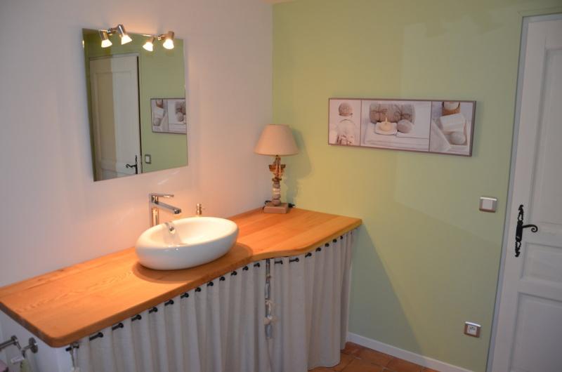 envie d 39 une nouvelle salle de bain. Black Bedroom Furniture Sets. Home Design Ideas