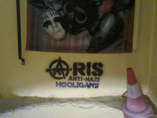 Aris : Anti-nazi hooligans