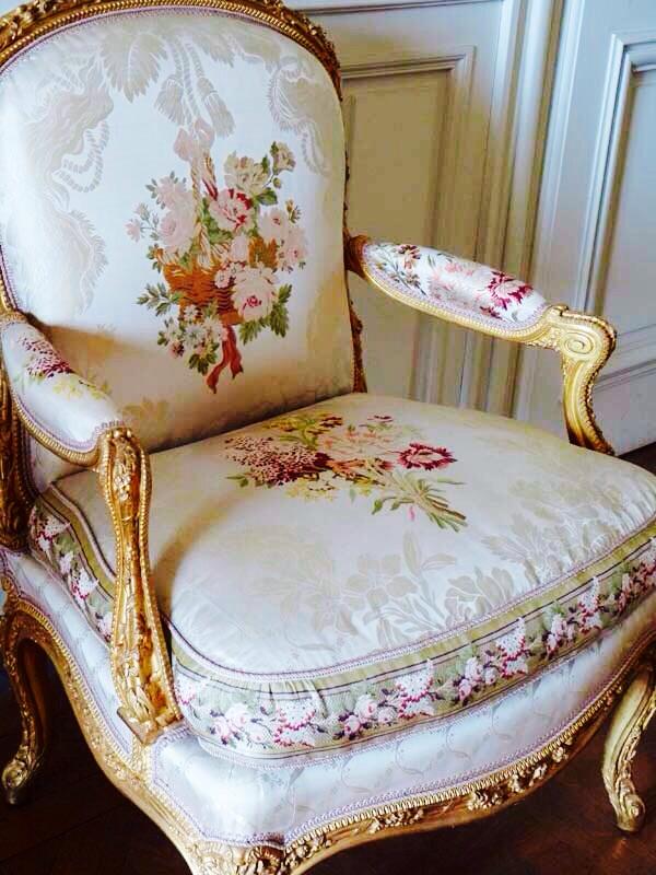 Les appartements de la reine dans les petits ch teaux - Les petit meubles de marie ...