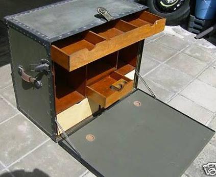 bureau de campagne usa 1940. Black Bedroom Furniture Sets. Home Design Ideas
